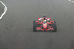 Felipe Massa teste la nouvelle Ferrari F2007