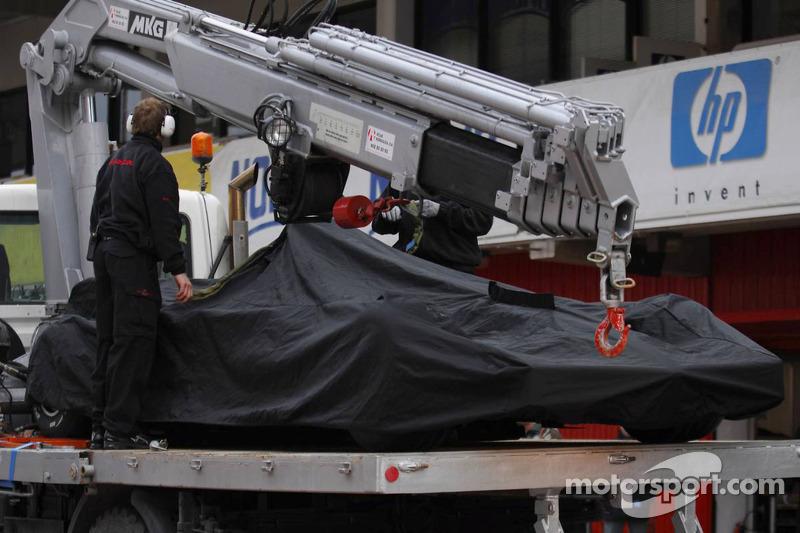 The Honda RA107 has a technical problem