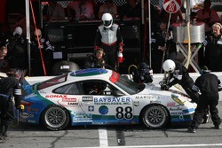 Pitstop for #88 Farnbacher Loles Motorsports Porsche GT3 Cup: Craig Stanton, Bryce Miller, Antonin Charouz, Justin Jackson, Tom Pank