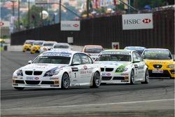 Andy Priaulx, BMW Team UK, BMW 320si WTCC and Augusto Farfus, BMW Team Germany, BMW 320si WTCC