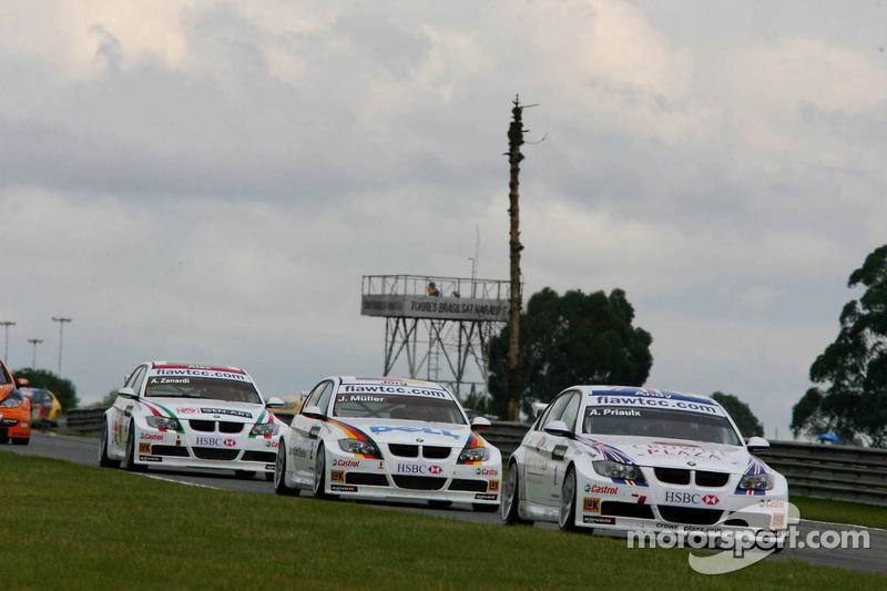 Andy Priaulx, BMW Team UK, BMW 320si WTCC et Jorg Muller, BMW Team Germany, BMW 320si WTCC