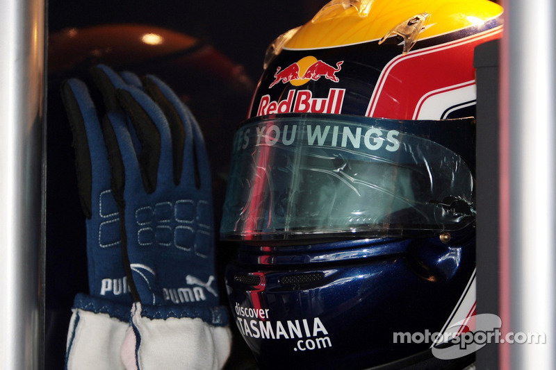 The helmet and gloves of Mark Webber