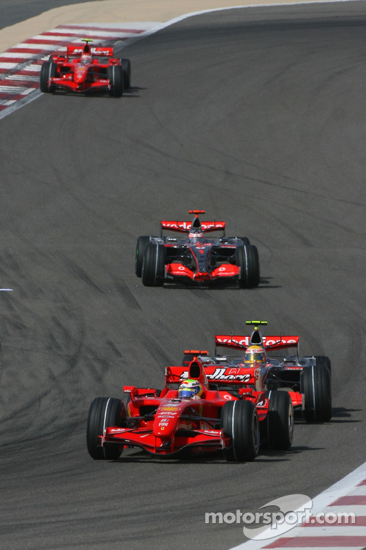Felipe Massa, Scuderia Ferrari, F2007 y Lewis Hamilton, McLaren Mercedes, MP4-22