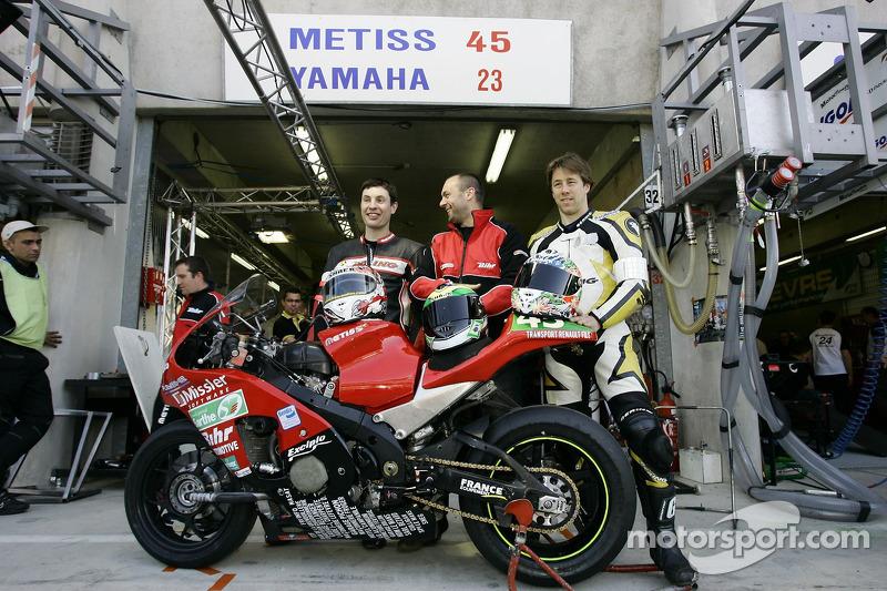 #45 Metiss JLC Moto Metiss: A. Baratin, E. Thuret, M. Weynand, E. Cheron