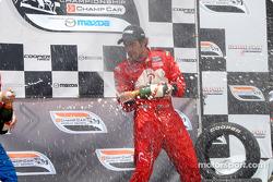 Podium: champagne for Raphael Matos