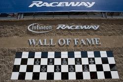 Wall Of Fame mis à jour avec l'intronisation de Mat Mladin
