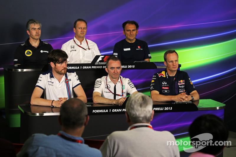 Die FIA-Pressekonferenz: Nick Chester, Lotus F1 Team, Technischer Direktor; Jonathan Neale, McLaren-Geschäftsführer; Rob Smedley, Williams, Leiter Fahrzeug-Performance; Paddy Lowe, Mercedes AMG F1, Teamchef; Red Bull Racing, Chefingenieur