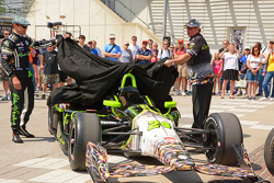 Townsend Bell (left) and Dennis Reinbold unveil colorful #24 Robert Graham Special