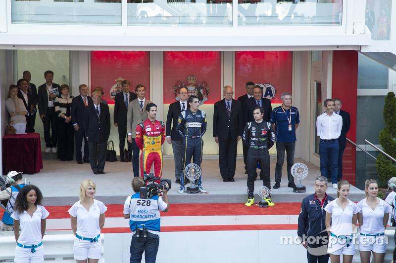 Podium: Lucas di Grassi and Sébastien Buemi and Nelson Piquet Jr.