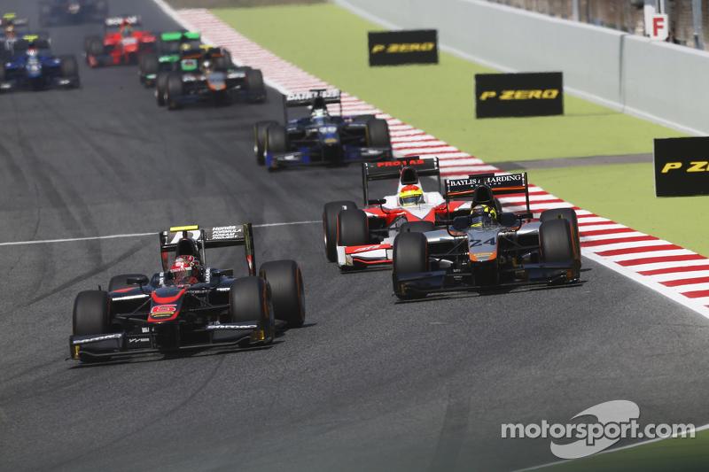 Nobuharu Matsushita, ART Grand Prix leads Nick Yelloly, Hilmer Motorsport