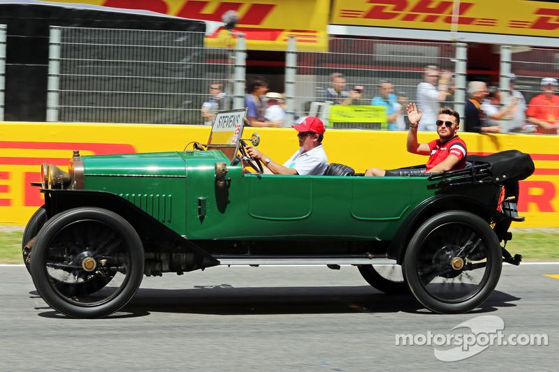 Уилл Стивенс на параде пилотов, Гран При Испании