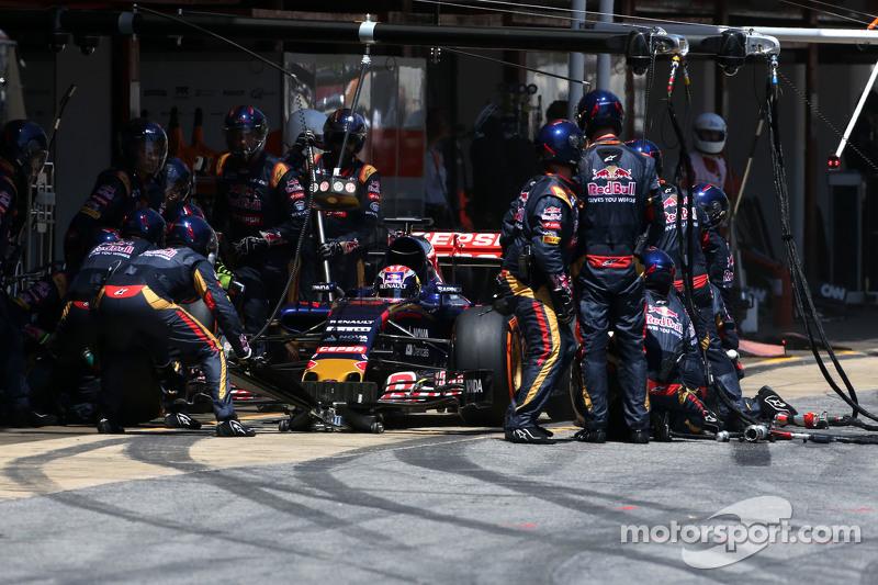 Макс Ферстаппен, Scuderia Toro Rosso під час піт-стопа