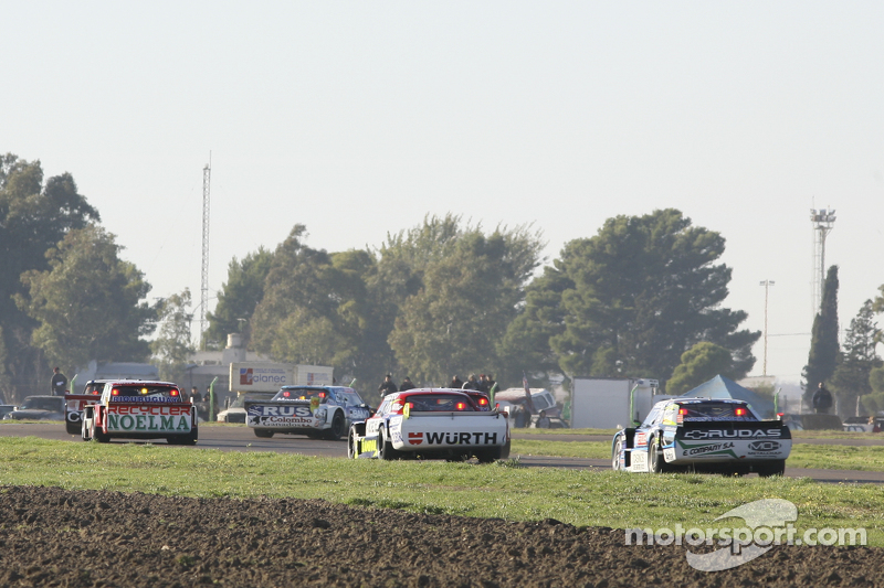 Nicolas Bonelli, Bonelli福特车队;Juan Martin Trucco, JMT道奇车队;和Martin Ponte, RUS Nero53道奇车队