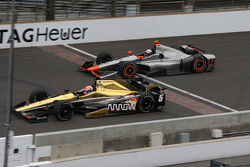 James Hinchcliffe, Schmidt Peterson Motorsports, Honda, und Stefano Coletti, KV Racing Technology