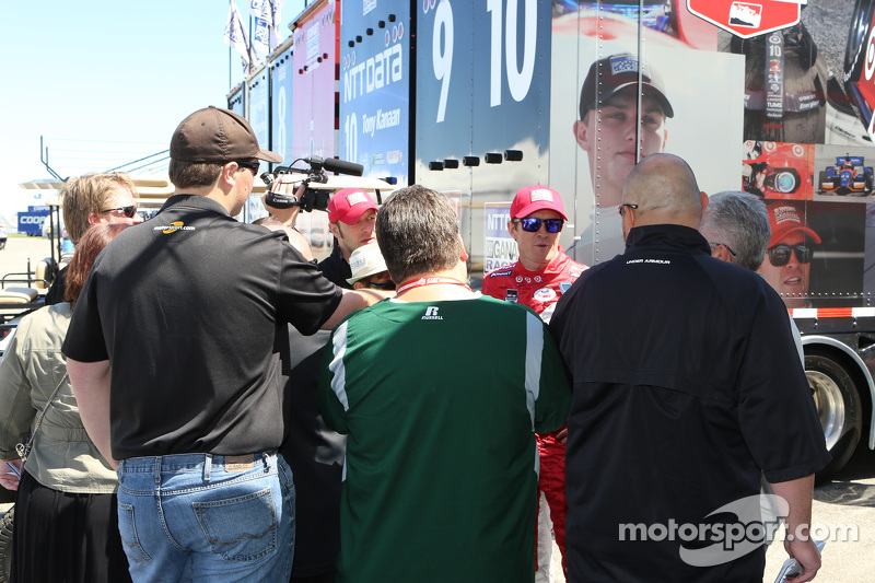 Scott Dixon, Chip Ganassi Racing talks to the media