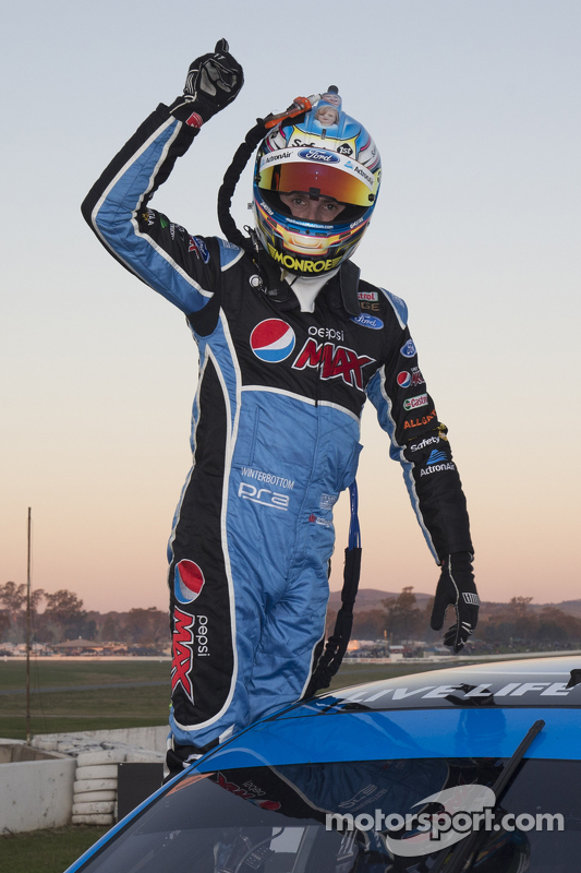 Juara balapan Mark Winterbottom, Prodrive Racing Australia Ford