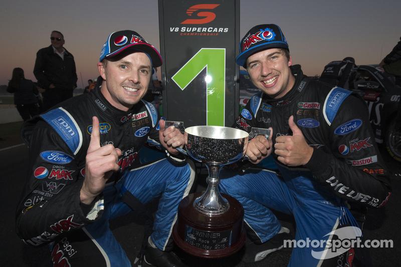 Race winner Mark Winterbottom, Prodrive Racing Australia Ford and Chaz Mostert, Prodrive Racing Aust