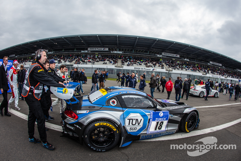 #18 Walkenhorst Motorsport, BMW Z4 GT3 heads to Startaufstellung