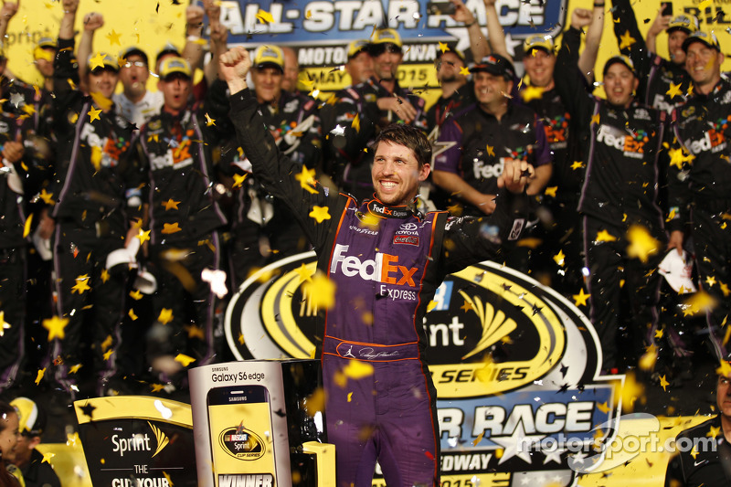 La Joe Gibbs Racing Toyota dans la Victory Lane