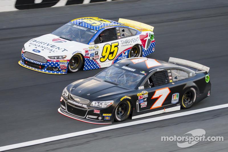 Michael McDowell, Leavine Family Racing Ford ve Alex Bowman, Tommy Baldwin Racing