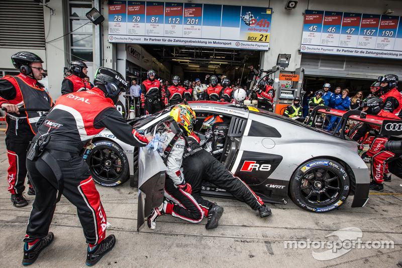 Last pit stop for #28 Audi Sport Team WRT Audi R8 LMS: Christopher Mies, Edward Sandström, Nico Müller, Laurens Vanthoor