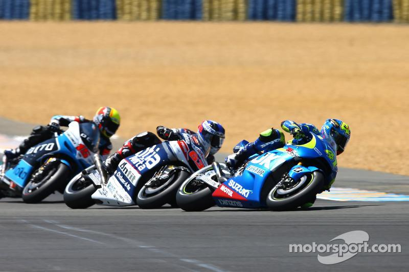 Маверік Віньялес, Team Suzuki MotoGP та Майк Ді Меліо, Avintia Racing Ducati та Алекс де Анджеліс, Ioda Racing Project ART