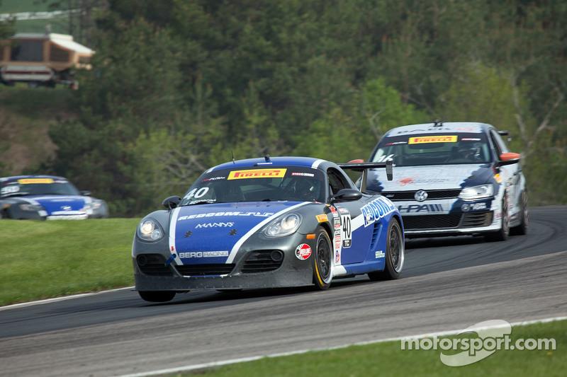 #40 BERG Racing, Porsche Cayman: John Weisberg