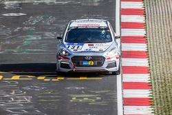 #131 Hyundai Motor Deutschland Hyundai i30 Coupé Turbo: Markus Schrick, Peter Schumann, Michael Bohrer, Guido Naumann