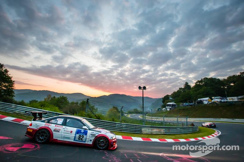 #82 Hoдля-Racing BMW M3 GTR: Martin Kroll, Chantal Kroll, Michael Kroll, Роланд Еггіманн