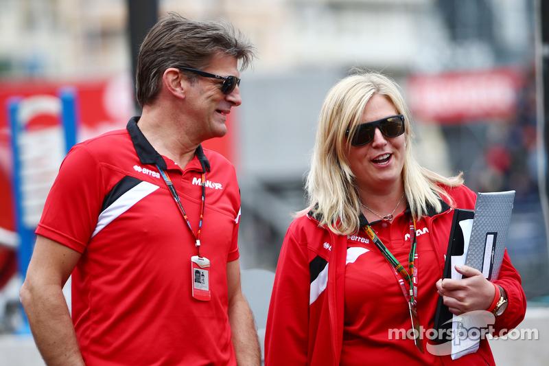 (Kiri ke Kanan): Graeme Lowdon, Manor F1 Team Chief Executive Officer dengan Laura Booth, Manor F1 Team