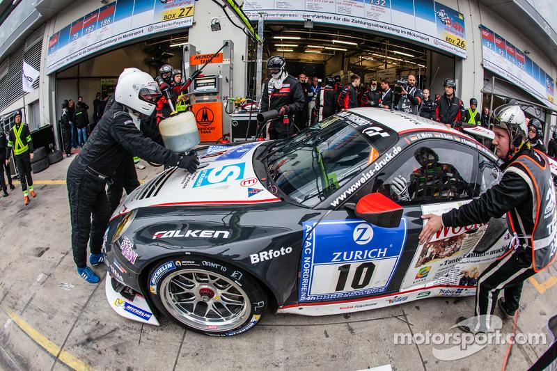 Піт-стоп для #10 Team Manthey Porsche 911 GT3 RSR: Georg Weiss, Oliver Kainz, Jochen Krumbach, Річар