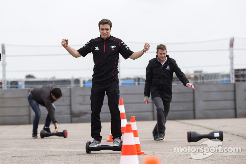 Scott Speed, Andretti Autosport, Jérôme d'Ambrosio, Dragon Racing try a new form of transportation