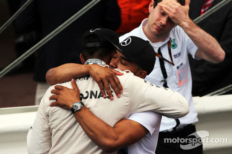 Third placed Lewis Hamilton, Mercedes AMG F1 with his brother Nicolas