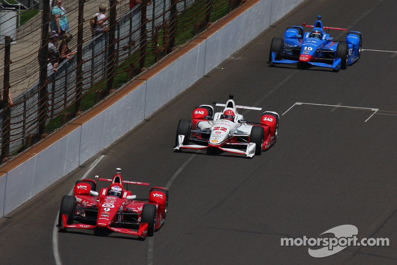 Scott Dixon, Chip Ganassi Racing, Chevrolet; Simon Pagenaud, Team Penske, Chevrolet, und Tony Kanaan
