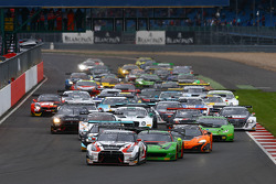 Start: #23 Nissan GT Academy Team RJN, Nissan GT-R Nismo GT3: Katsumasa Chiyo, Wolfgang Reip und Ale