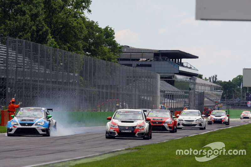 Stefano Comini, SEAT Leon, Target Competition e Gianni Morbidelli, Honda Civic TCR, West Coast Racing
