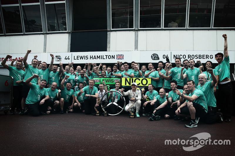 Ніко Росберг, Mercedes AMG F1 Team святкує пермогу
