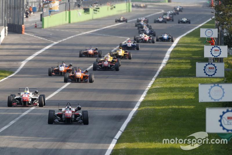 Felix Rosenqvist and Jake Dennis, Prema Powerteam Dallara Mercedes-Benz and Mikkel Jensen, Mücke Motorsport Dallara Mercedes-Benz