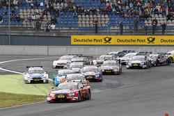 انطلاق السباق، ميغيل مولينا، فريق آودي سبورت أبت آودي آر إس5 دي تي إم في الصدارة