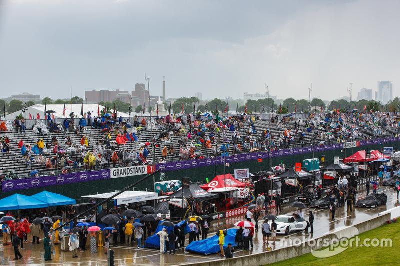 Rain during pre-race