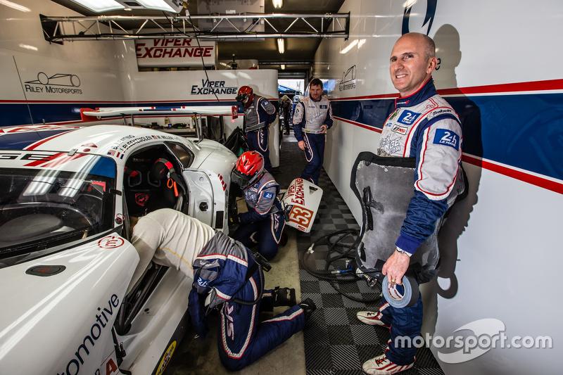 #53 Riley Motorsports Dodge Viper GTS-R: Ben Keating
