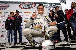 Ganador de la carrera Irwin Vences M Racing