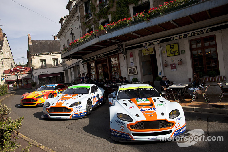 Aston Martin Racing am Hotel de France