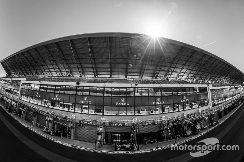 Le Mans, Atmosphäre in der Boxengasse und im Boxengebäude