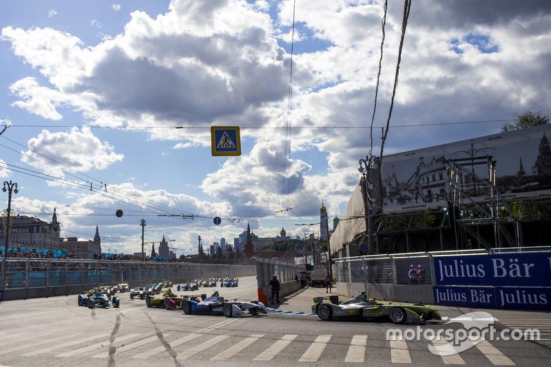 Start: Nelson Piquet jr., China Racing, in Führung