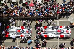 #8 Audi Sport Team Joest Audi R18 e-tron quattro y #9 Audi Sport Team Joest Audi R18 e-tron quattro