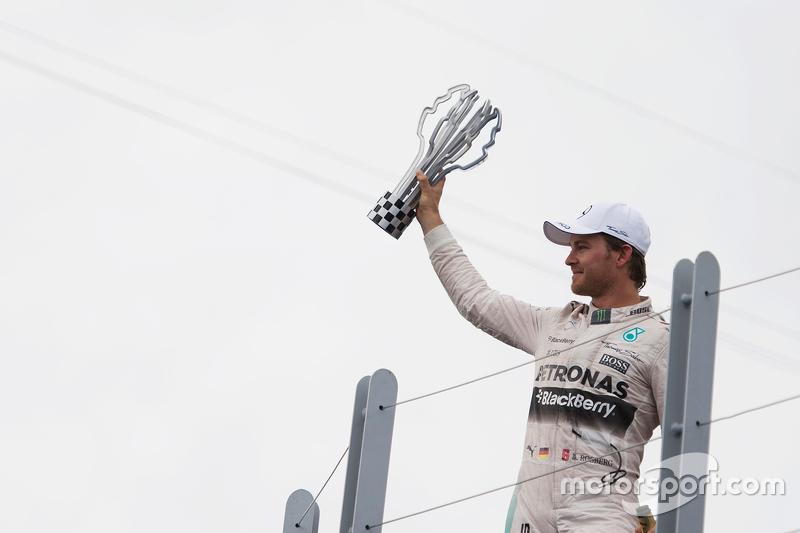 Podium: Race winner Lewis Hamilton, Mercedes AMG F2