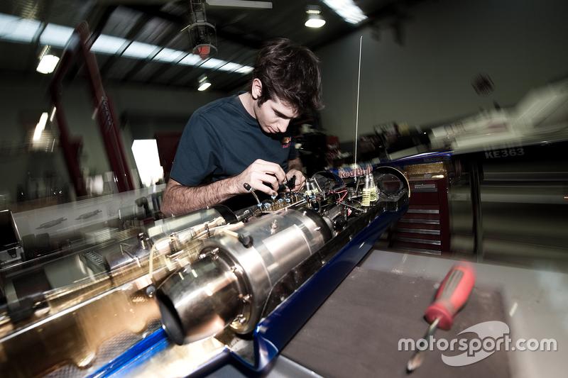 Rick Kelly's rocket powered RC racer