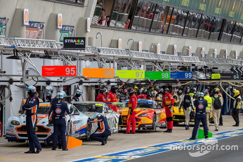 Aston Martin Racing siap untuk latihan hari Rabu