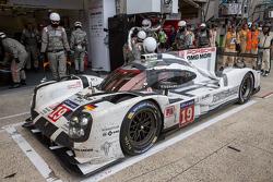 Splash-and-Dash bei #19 Porsche Team, Porsche 919 Hybrid: Nico Hülkenberg, Nick Tandy, Earl Bamber